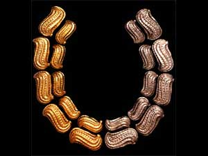 A Moche peanut necklace found in the ancient city of Chicay